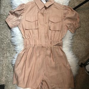 Romper with puffy sleeves and button up